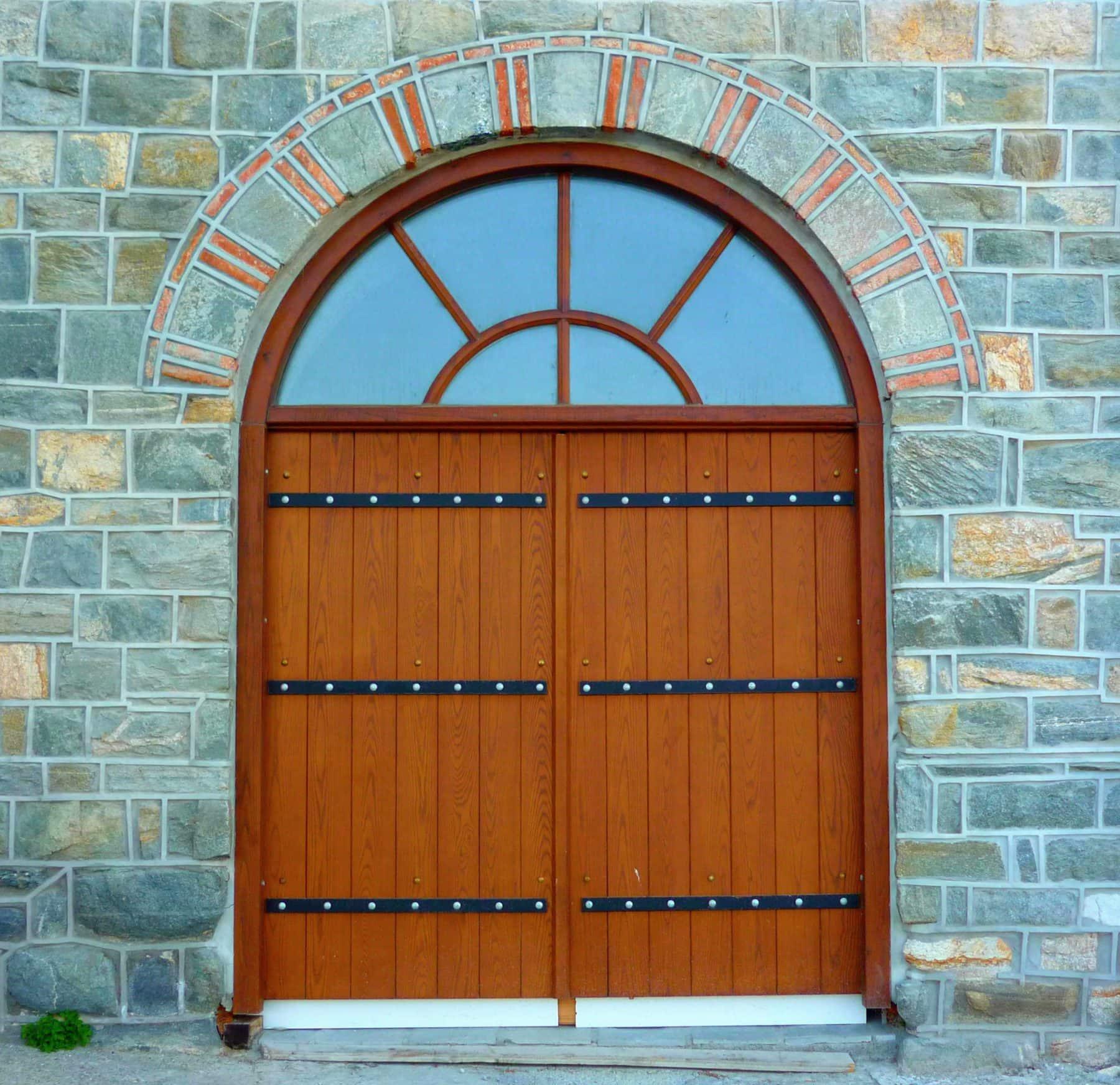 ραμποτέ εξωτερική πόρτα με φεγγίτη