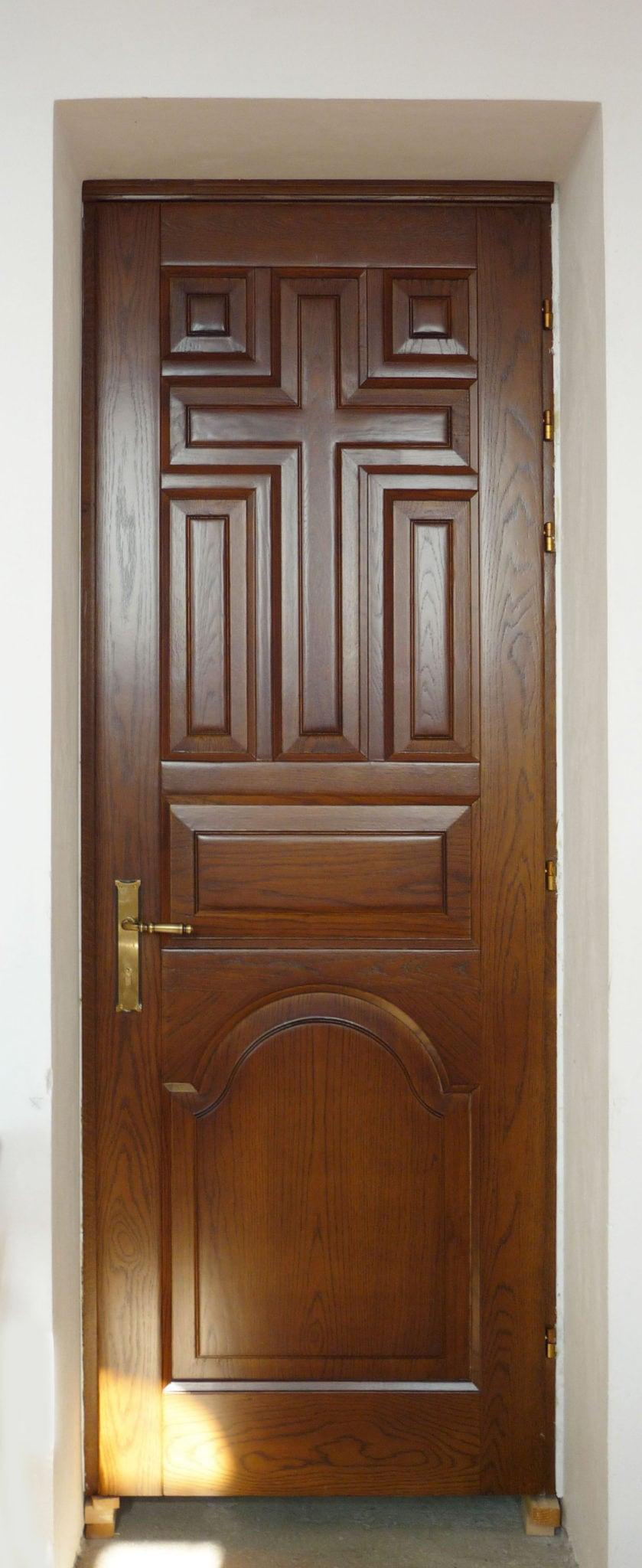 μασίφ ξύλινη εσωτερική πόρτα