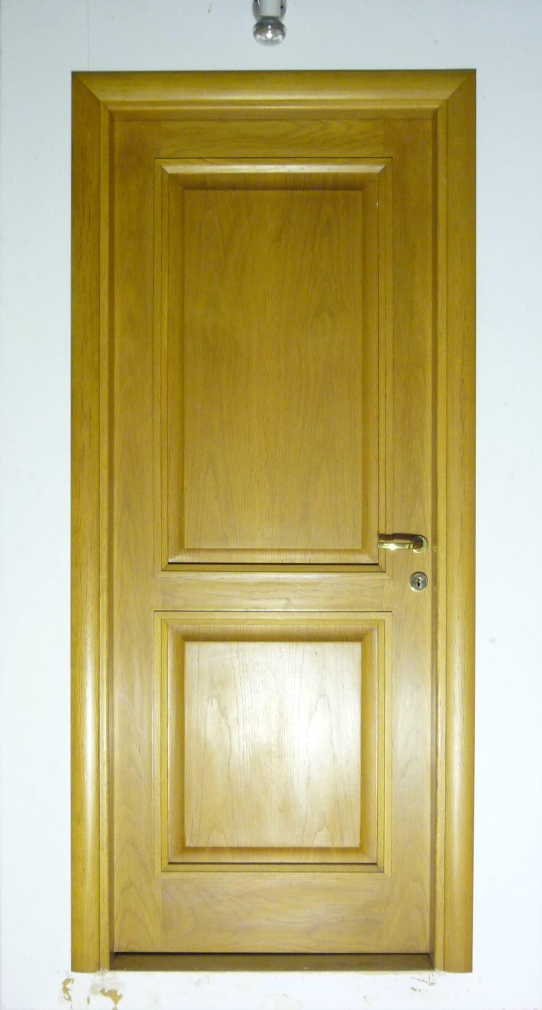 πόρτα ημιμασίφ