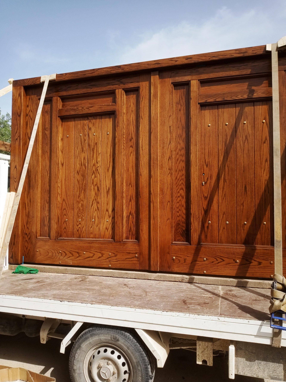 Ξύλινη ενισχυμένη αυλόπορτα ειδικής κατασκευής προς παράδοση